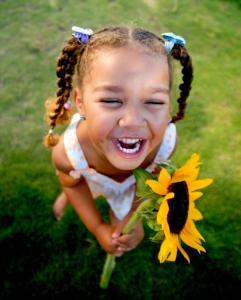 melanie-bloch-child-laughing